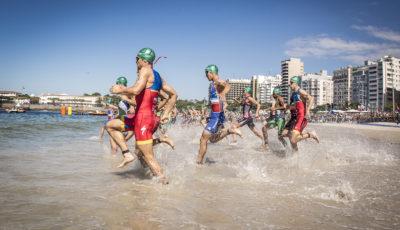 Largada para o evento-teste olímpico em Copacabana, realizado em agosto de 2015.