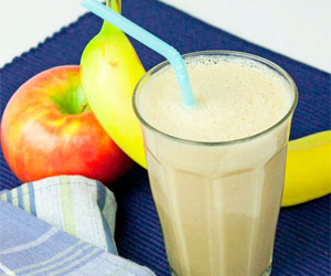 540_apple-banana-smoothie-recipe