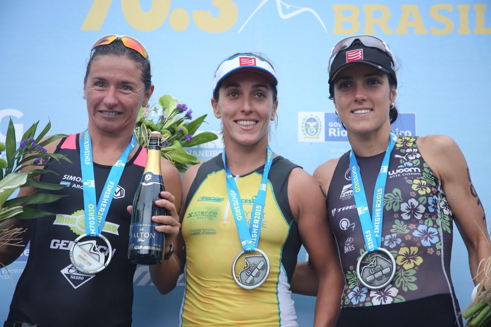 Da esq. para direita, o top 3 feminino: Erika Simon, Marina Andrade e Carol Furriela. Foto: Fernanda Paradizo