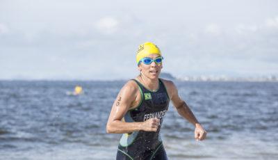 Flávia assumiu a ponta depois da natação, vencendo com enorme vantagem. Foto @rodtri