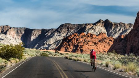 The Hoff heads into the impressive Snow Canyon.