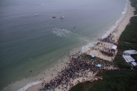 Largada do Ironman Brasil 2016. Foto drone: Carlos Rocha